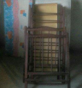 Кроватка детская находится в Атажукине