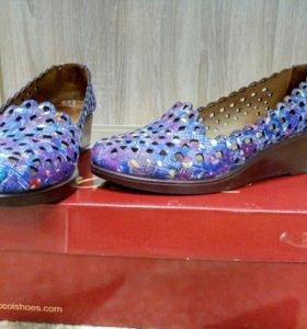 Срочно продам туфли / балетки