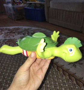 игрушка для ванной Tomy поющая черепаха