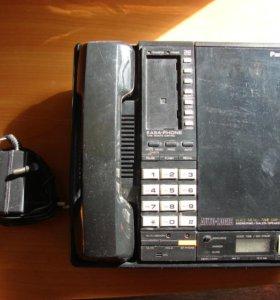 Телефон Panasonic c автоответчиком на кассетах.