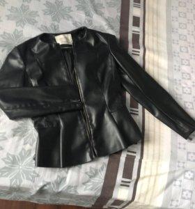 Куртка Zara из экокожи размер S
