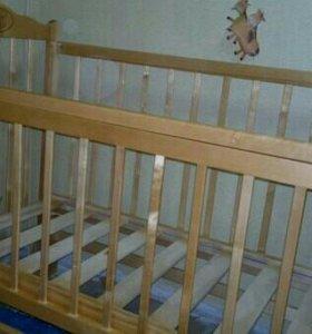 Детская кроватка.