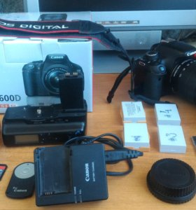 Canon 600D + объектив EF-S 18-135 IS