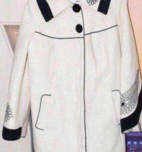 Пальто новое демисезон натуральный кашемир