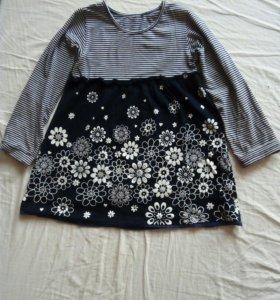 Платье на 3-4,5 года, рост 98-110 см.