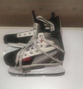 Коньки хоккейные, на несколько размеров