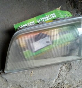 Стёкла фар Мерседес С180. 202-й кузов