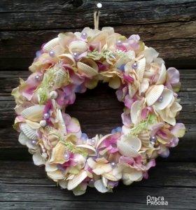 Декор. Венок с ракушкамии цветами.
