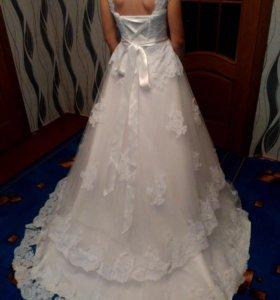 Свадебное платье(торг уместен)