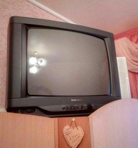 Телевизор самсунг 51см диагональ, пульт ду