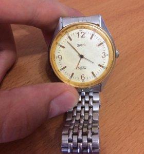Часы Заря