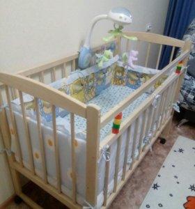 Кровать детская с матрацем и текстилем