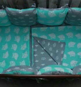 Комплект в кроватку: бортики подушки и кпб