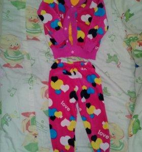Продам костюм для девочки от 1 года до 1.6