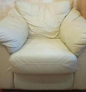Диван + кресло в подарок