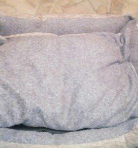 Лежанка-диван с двусторонней подушкой