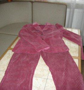 Вельветовый брючный костюм