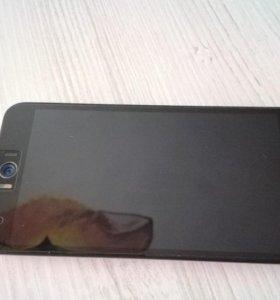 ASUS ZenFone Selfie ZD551KL + SDCARD 32Gb+ 2 чехла