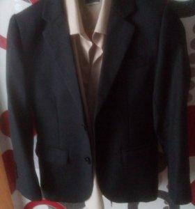 Продам пиджак+ жилетка