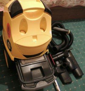 Пылесос Karcher DS5500 с аквафильтром.