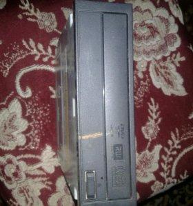 DVD дисковот для компьютера
