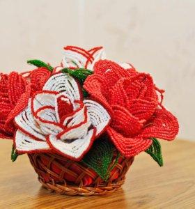 Цветы из бисера Розы в корзинке