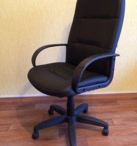 Кресло компьютерное повышенной комфортности
