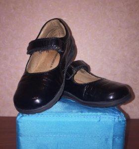 Кожаные лакированные туфли Италия