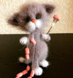 Пушистые котики (ручная работа)