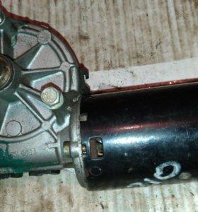 Моторчик стеклоочистителя перед Мерседес 210 96-00