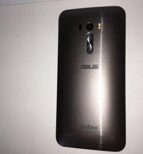 4G смартфон с двумя симками Asus ZenFone Selfi