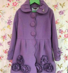 Детское пальто на 7 лет