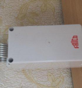 двухступенчатый капиллярный термостат FRICO 2800
