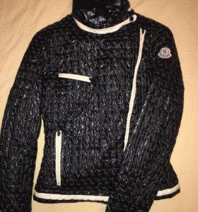 Moncler куртка пуховая