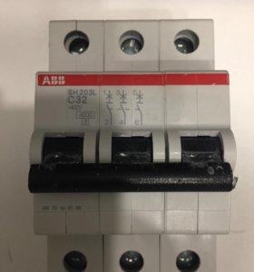 Автовыключатель ABB 3п (32А) SH203L C32 4.5кА