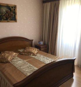 Квартира, 3 комнаты, 140 м²
