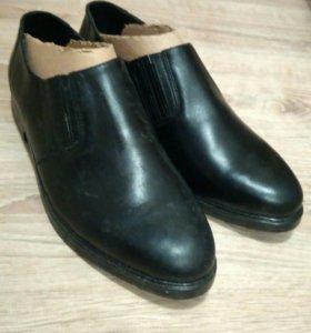 Уставные мужские туфли