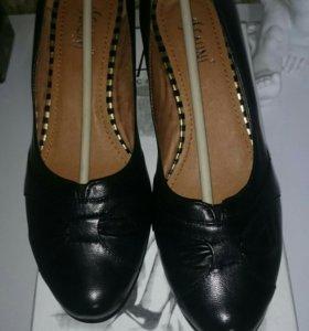 Новые туфли Ascalini, 37 размер