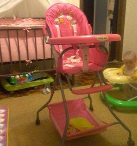 Детский стол для кормление