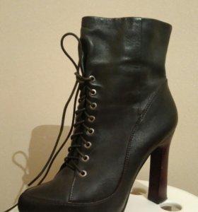 Ботинки высокие кожаные осение