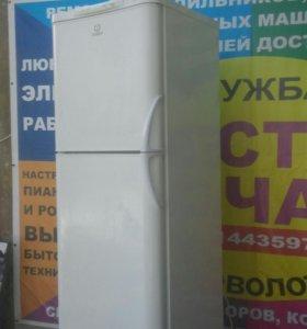 Холодильник Индезит 175см. Гарант. Дост.