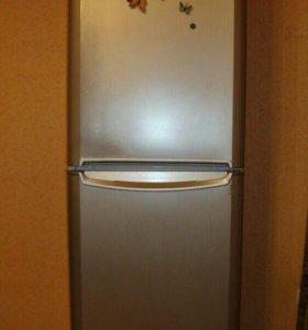 Indesit. No Frost. Холодильник + Морозилка