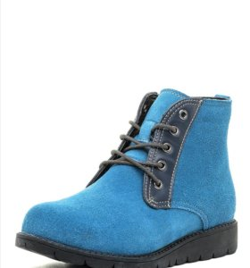 Новые женские ботинки.