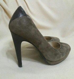 Туфли 37 р. натуральные замшевые