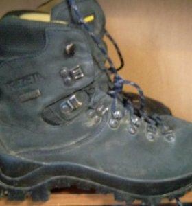 Ботинки для альпинизма TREZETA.