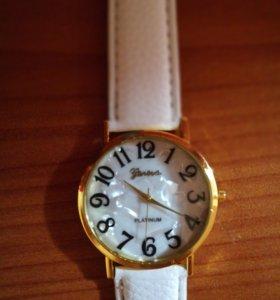 Новые стильные кварцевые молодежные часы