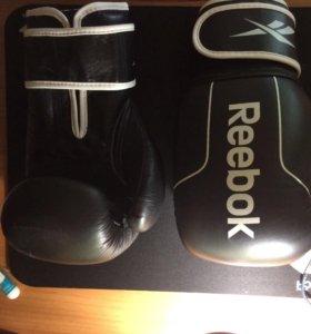 Боксёрские перчатки Reebok