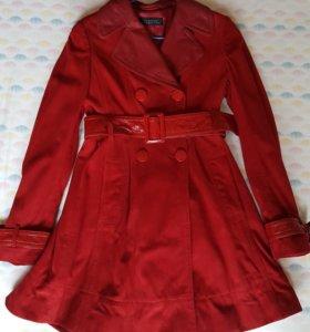 Продается пальто (плащ)