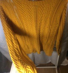 Тонкий но теплый стильный свитер M р-р