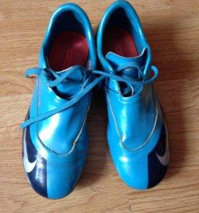 Футбольные бутсы Nike, 36 размер